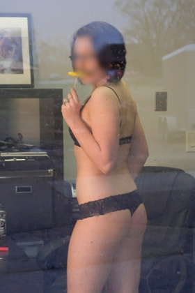 Slanke brunette escort Sita